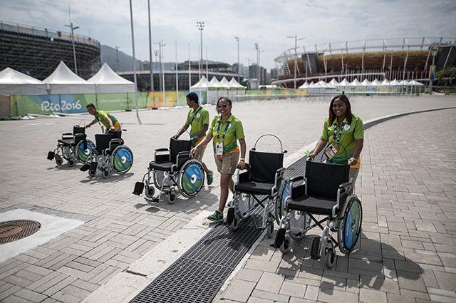 Паралимпийские игры в Рио-де-Жанейро. Волонтёры.