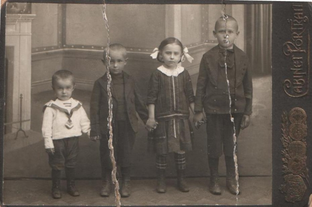 Историю своей семьи Денису удалось раскопать до 1750 года.