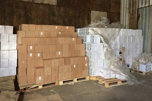 Во время обысков полицейские изъяли свыше 24 тысяч литров спиртосодержащей продукции различного вида