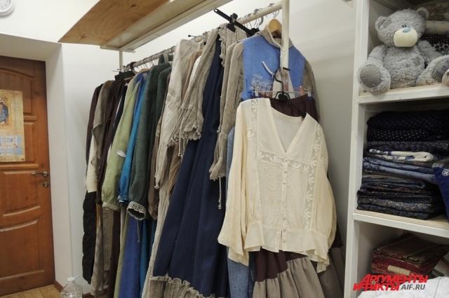 Чтобы создавать такие потрясающие вещи, монахини изучают не только историю русского костюма, но и современные тенденции в мире моды.