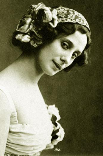 Балерина Анна Павлова в балете Минкуса Дон Кихот . 1913 год