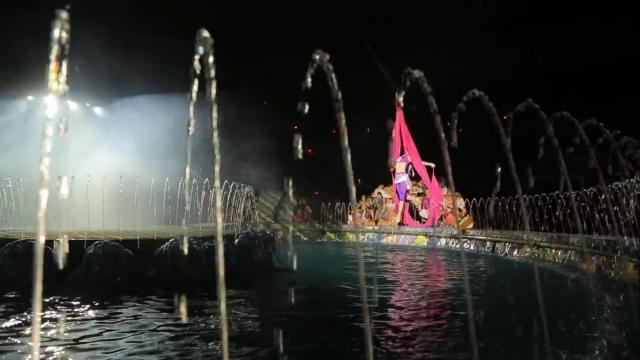 Цирковое шоу на воде «Красавица и чудовище»