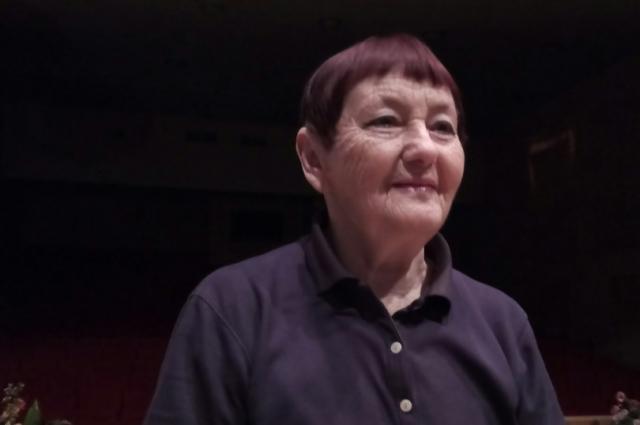 Тренер по оздоровительной гимнастике Альбина Крюкова.