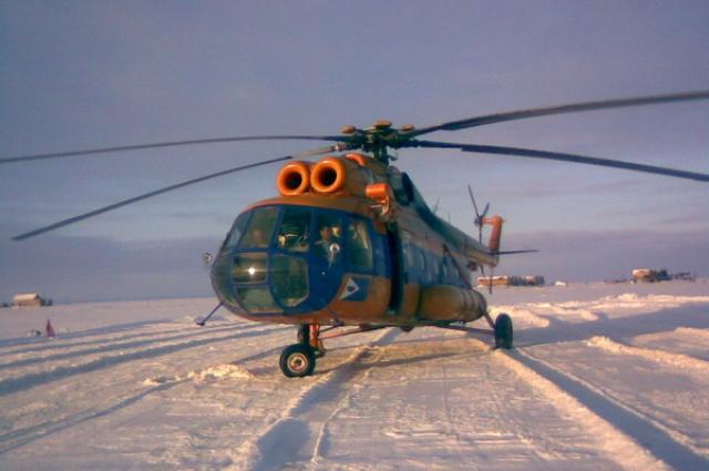 В отдалённые селения медики летали на вертолёте.