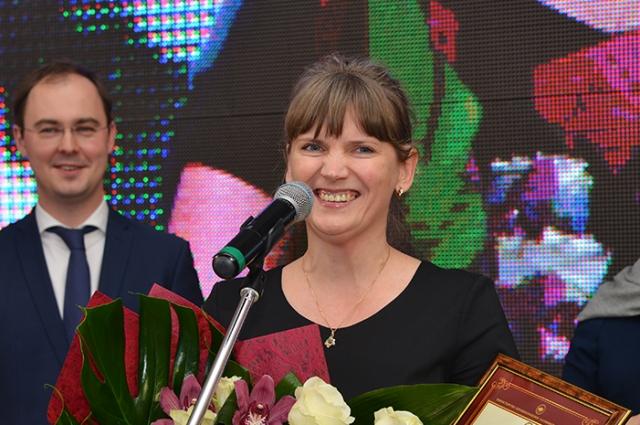 Лучшей медицинской сестрой года стала медсестра процедурного кабинете поликлиники Гусевской ЦРБ Наталья Казаченко.