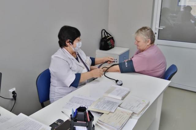 Около 50 тысяч рублей получает врач в Степном