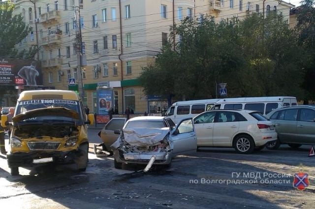 Авария в Ворошиловском районе.