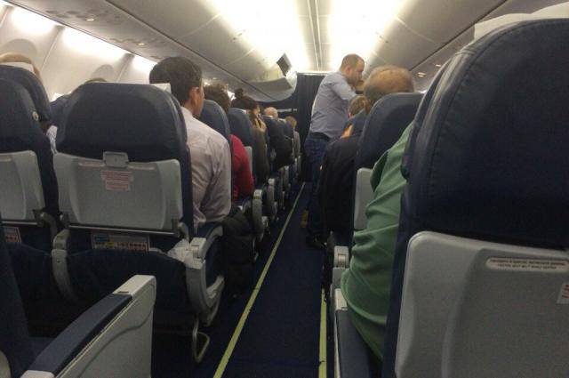 Самолет Оренбург-Москва совершил вынужденную посадку в Нижнем Новгороде.