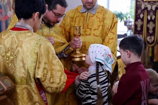 Самая же главная радость для священника тогда, когда воины на глазах преображаются после таинств Исповеди и Причастия.