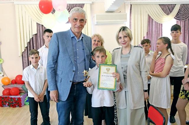 Краевые парламентарии изучили вопрос социализации детей.