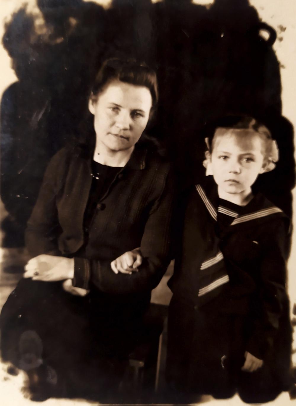 Светлана Романова со своей мамой Елизаветой Фёдоровной.