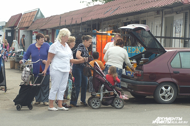 Польскими продуктами торгуют и зимой, и летом.