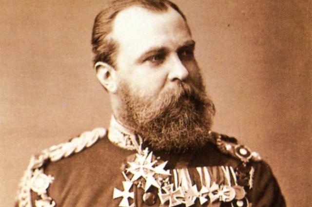 Уже будучи вдовцом, Людвиг в 1884 году сочетался морганатическим браком с Александриной Гуттен-Чапской.