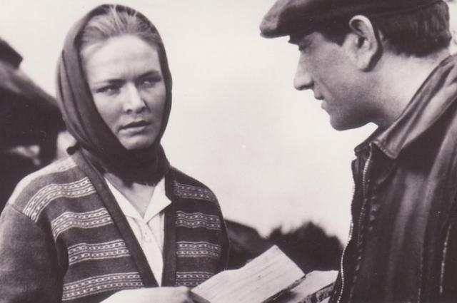 За роль в фильме «Журавушка» Чурсина получила Гран-при на кинофестивале в Сан-Себастьяно.
