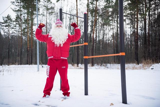 Дед Мороз Заводной - за здоровый образ жизни!