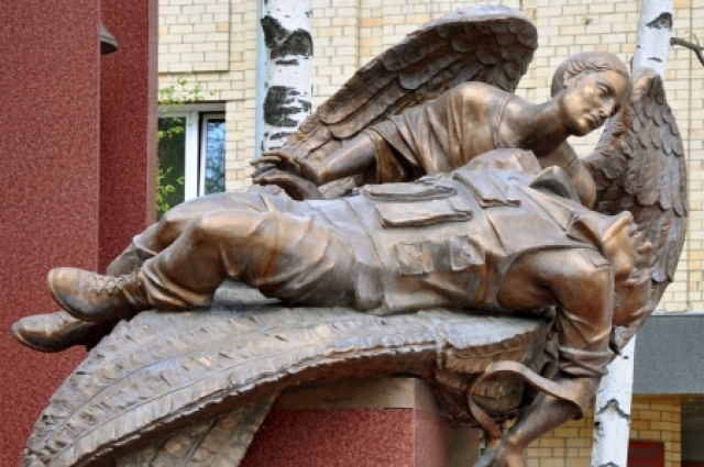 Памятник «Вечная память воинам Югры», Ханты-Мансийск.
