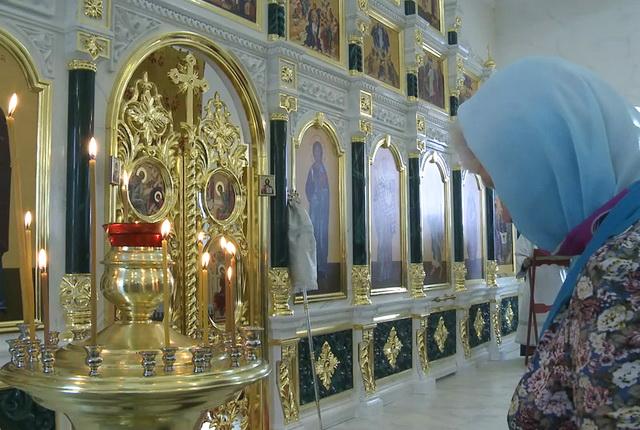 Храм, Елизово, служба