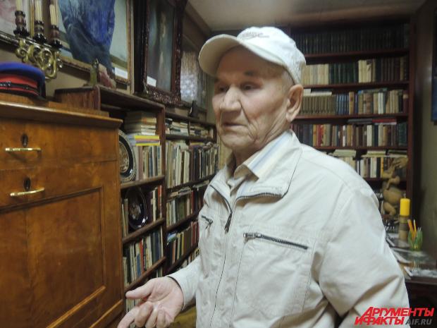 В кабинете Герасимова всё так, как было при его жизни