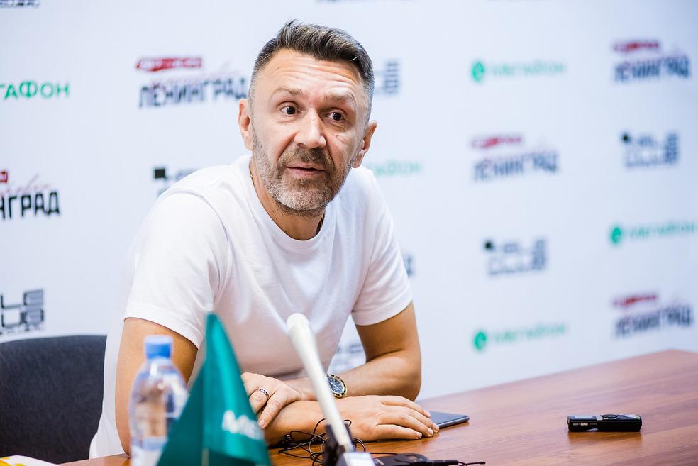 На пресс-конференции Сергей Шнуров ответил на все вопросы журналистов.