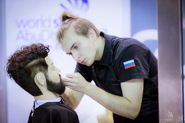Москвич Егор Костиков - обладатель серебряной медали в компетенции «Парикмахерское искусство».