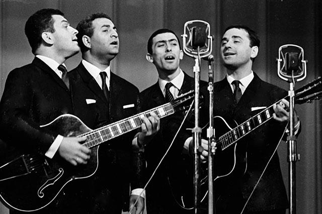 Грузинский вокально-инструментальный квартет «Диело». Второй справа Вахтанг Кикабидзе. 1966 г.