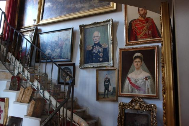 Барон завещал половиу наследства — России, другую часть — родственникам.