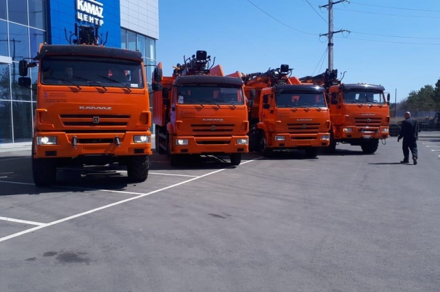 Бороться с неубранными контейнерными площадками будут в том числе и при помощи новых мусоровозов, которые уже поступили в регион.