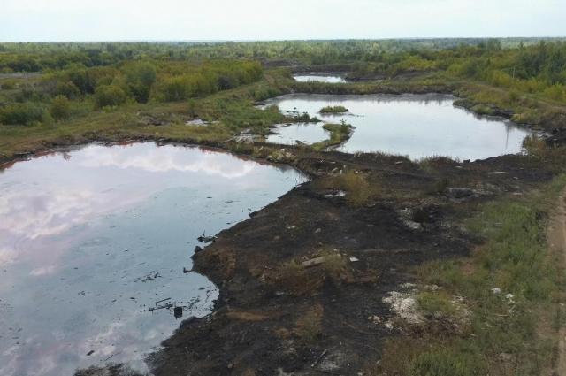 Четыре мазутных озера около Падовки появились в 1942 году.