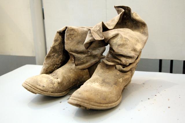 Солдатская обувь.