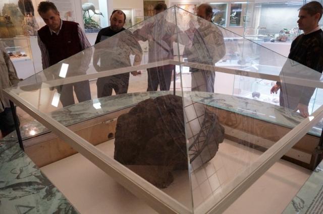 Метеорит в музее