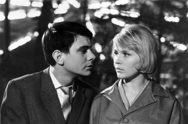 Кадр из фильма Я шагаю по Москве, 1963
