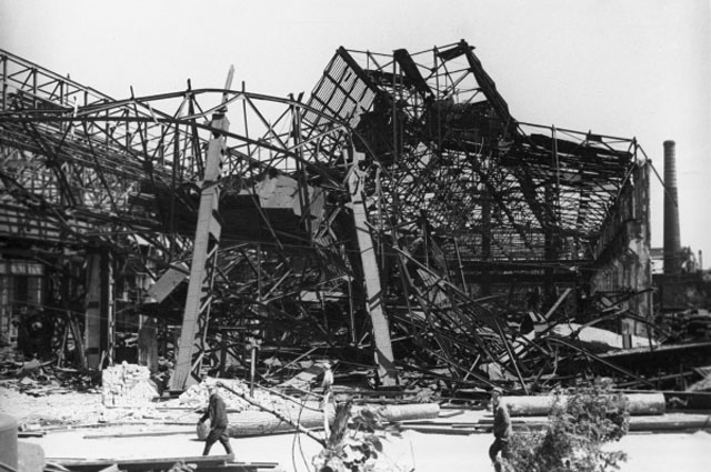 Руины Сталинградского тракторного завода имени Ф.Э. Дзержинского.