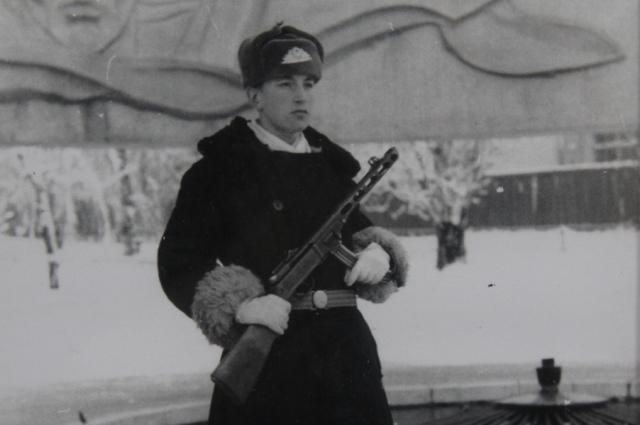 Василий Першиков у Вечного огня.