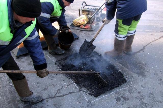 Врио губернатора Оренбуржья Денис Паслер во время встречи с главой Оренбурга Дмитрием Кулагиным заявил о том, что финансирование  на ремонт городских дорог нужно увеличить.