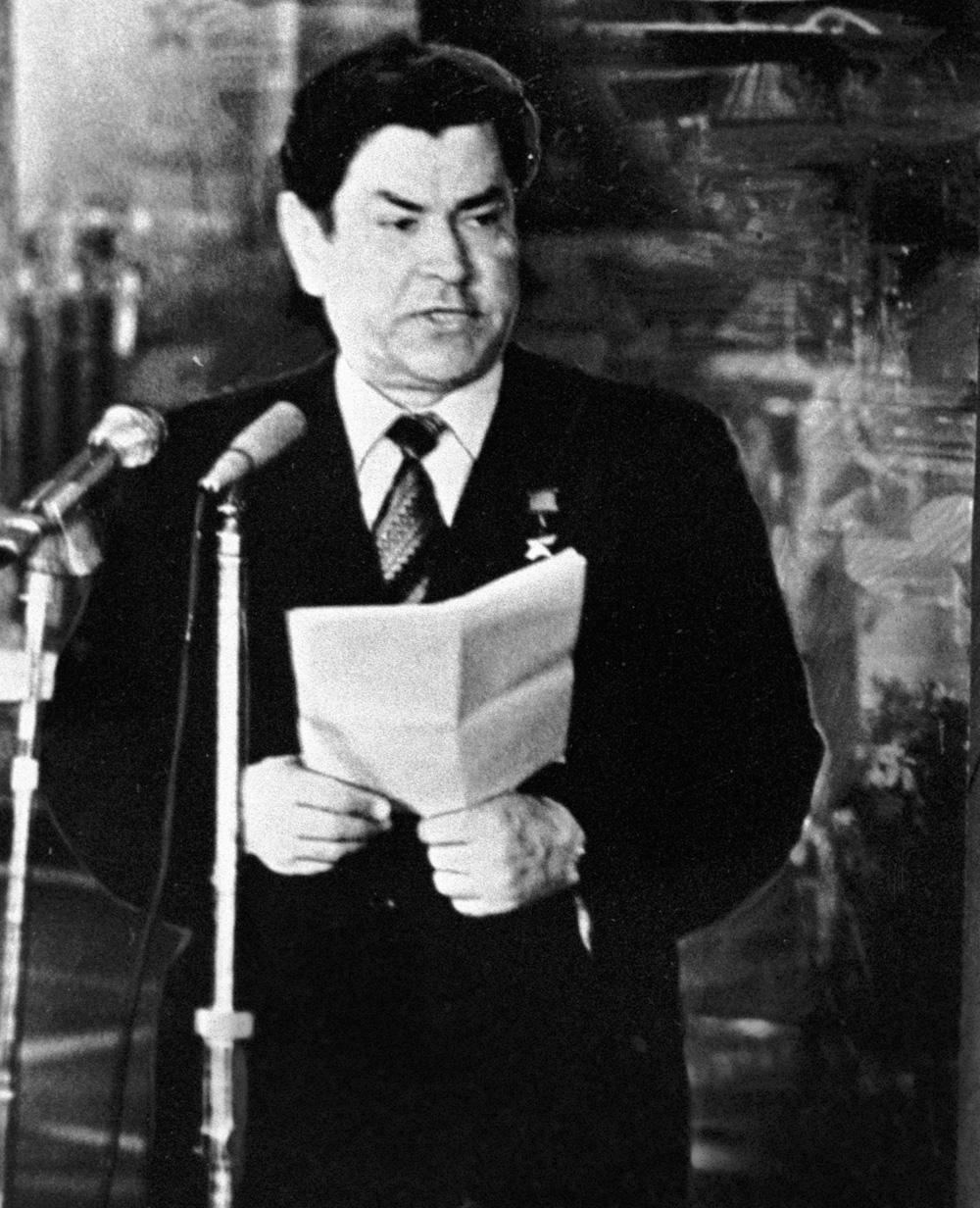 Герой Советского Союза Алексей Петрович Маресьев. 1974 год