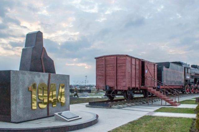 Возле мемориала, посвящённого трагической дате, в Назрани ежегодно проводятся митинги.