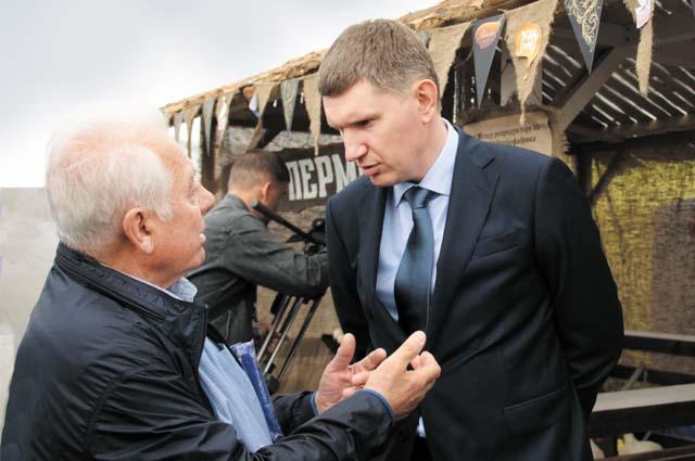 Губернатор общался с фермерами на тему развития отрасли в ближайшие пять лет.