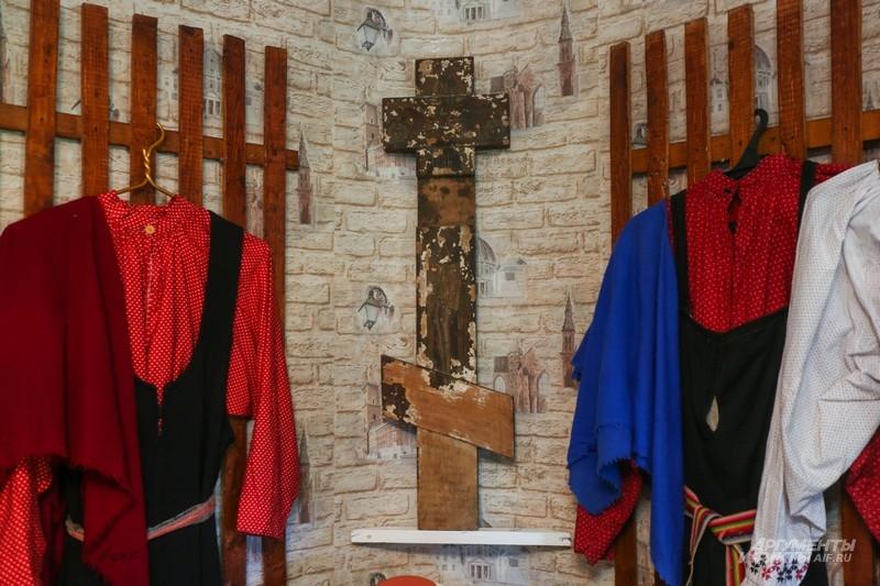 Крест из скита - они еще остались в окрестностях Рощи