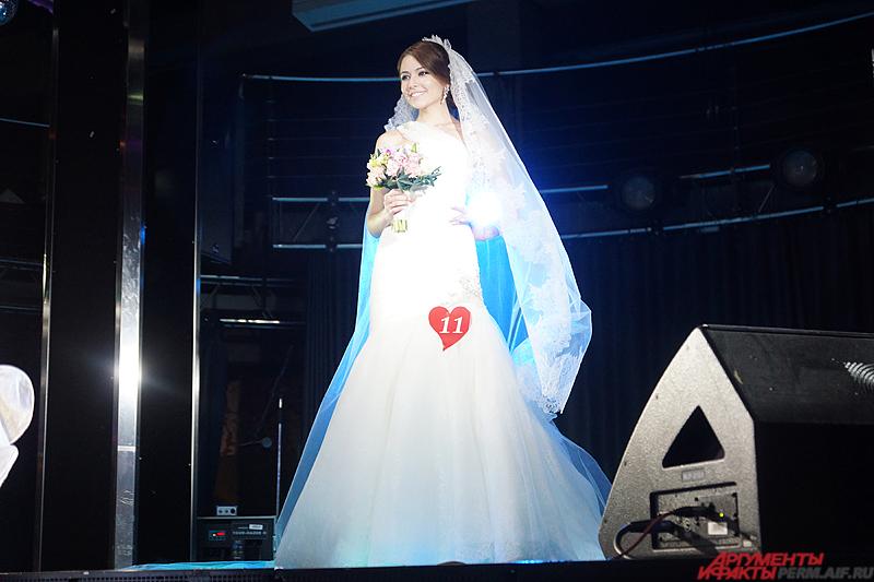 В итоге жюри отдало титул «Бриллиантовая невеста» Ксении Засухиной.