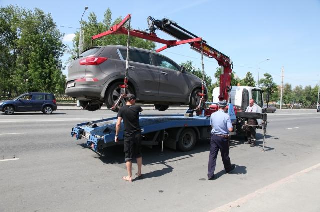 В страхе потерять свой автомобиль тюменцы выплачивают многотысячные долги.