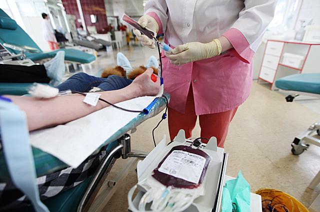 Донором крови может стать любой взрослый человек, но абсолютно здоровый.