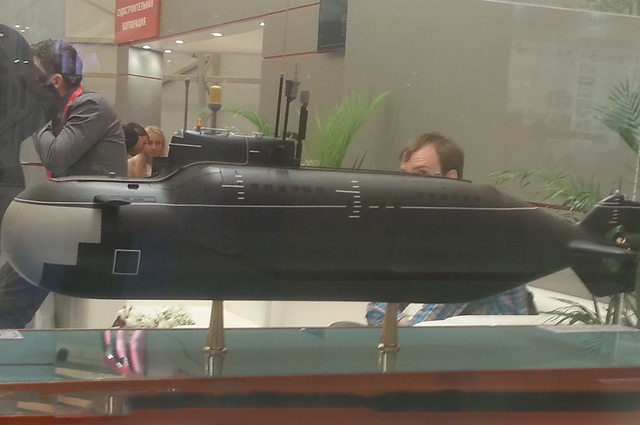Модель подводной лодки проекта 865 «Пиранья» на выставке «Армия 2015»