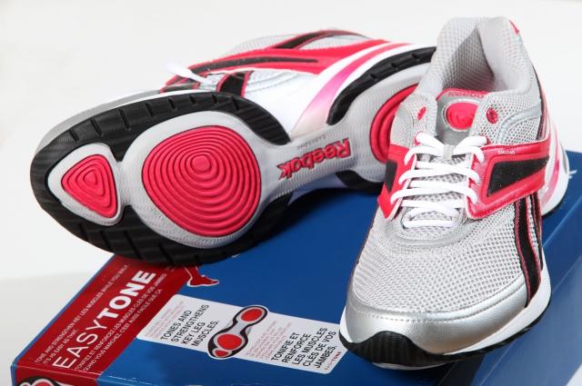 Обувь для физкультуры обязательно должна быть спортивной.
