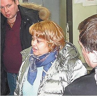 Адвокат Элина Дидык, которая распускает руки.Фото с камеры видеонаблюдения «С-инфо»