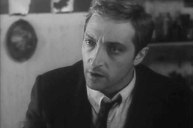 На роль губернатора Вилли Старка пригласили Георгия Жженова, а другой центральный образ его помощника Джека Бердена достался Михаилу Козакову.