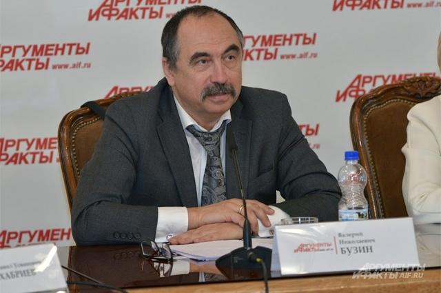 и.о. директора Департамента общественного здоровья и коммуникаций Минздрава России Валерий Бузин.