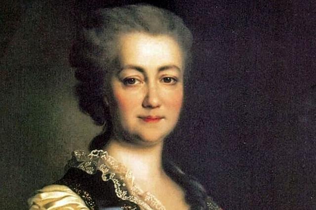 екоторое время считалась близкой подругой и сподвижницей будущей императрицы Екатерины II.