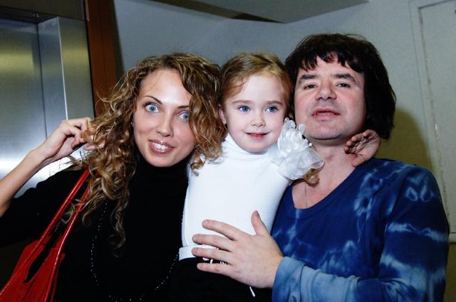 Евгений Осин вместе с бывшей женой и дочерью.