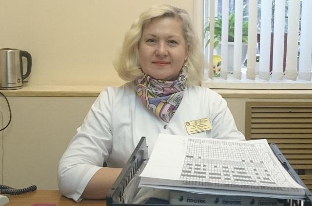 Врач Ольга Николашина не рекомендует пользоваться чужими щетками для волос.