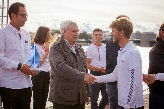 Победителей квалификационного этапа наградил губернатор Санкт-Петербурга Георгий Полтавченко.